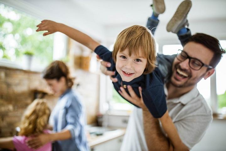 Cinq façons de renforcer l'estime de soi de votre enfant