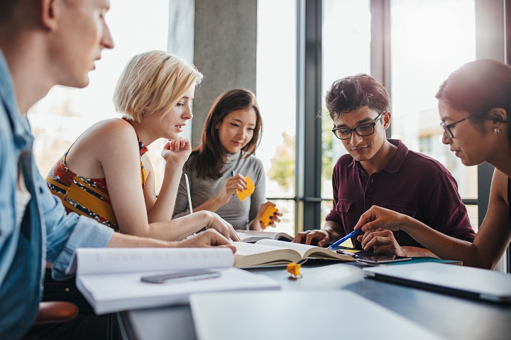 5 raisons de participer à des clubs étudiants pendant vos études postsecondaires