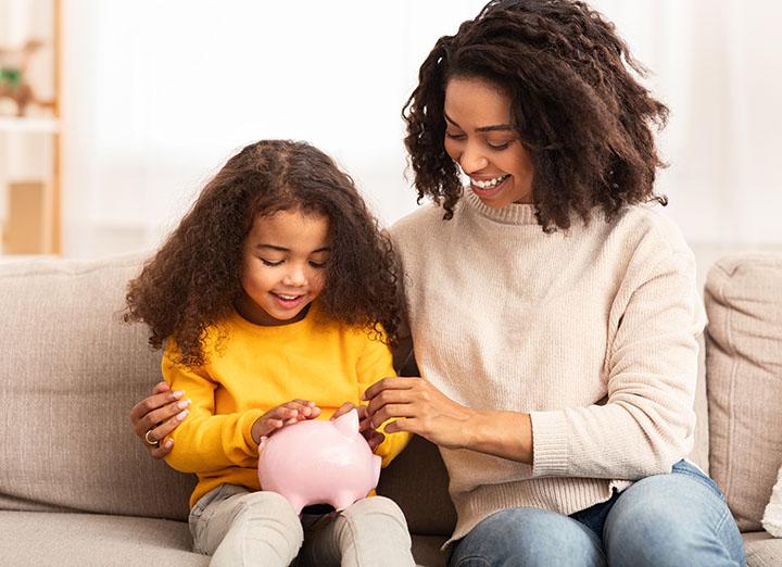 Trois conseils en finances personnelles à transmettre à vos enfants dès le plus jeune âge